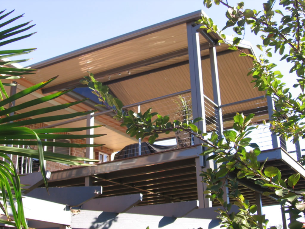Outback Flat/Gable/Flat over second storey deck