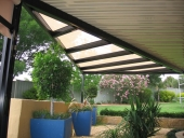 Outback Flat & Pergola with shadecloth